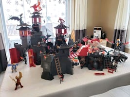 Playmobil dragon castle including how to train your dragon