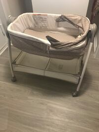 Baby's white and gray bassinet Montgomery Village, 20886