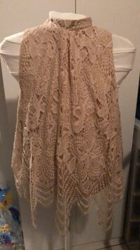 Med sleeveless lace top