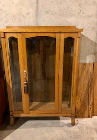 Antique Oak Curved China Cabinet Hoover, 35242