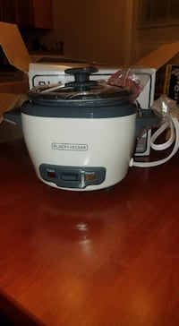 Never Used Black Decker 3 cup Rice Cooker Warrenton