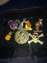 29 Disney Collectable Pins + Haunted Mansion Pouch Clovis, 93611