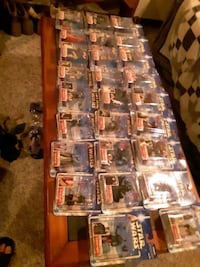 Star Wars action figures 26 in all still in packages, 2002 series