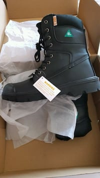 Brand new in a box Men's steel toe boots size 12 Laval, H7P 5V3