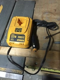yellow and black DeWalt battery charger Los Angeles, 91342