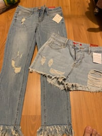 Guess pants and short fit to small size