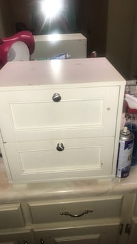 2 drawer small cabinet  Columbus, 31907
