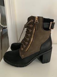 Boots for Globo for sale! Size 8 Toronto, M1K 4R3