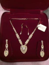 GIFT IT! NEW Rhinestones set on a gold rhodium plating/ Faux Pearl Drop Earrings INCLUDED! Richmond, V6X
