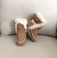 Robeez baby girl boots size 18-24 months Mississauga, L5M 6C6