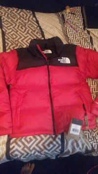 North face jacket (size small) Winnipeg, R3A 1G7