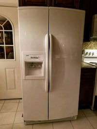 Kenmore Side by Side refrigerator  Fort Washington, 20744