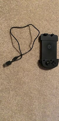 Game sir wireless controller for pubg and fortnight etc. Works really good and comes winth the cord for charging Gibbons, T0A 1N1