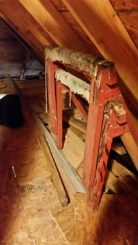 2 saw horses.  May need new wood has metal bracket Lindale, 75771