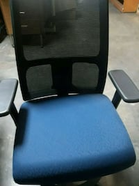 black and blue rolling chair