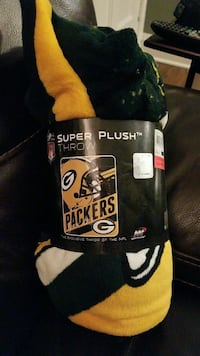 Packers blanket-never used