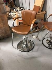 3 salons chairs