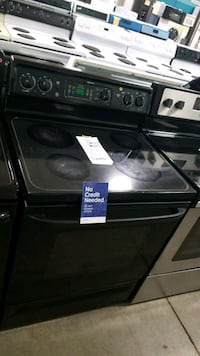 Ge glass top electric Stove 30inches!  Hempstead, 11550