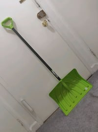 Like New SHOVEL  for sale pickup-ROSSLYN Arlington, 22209