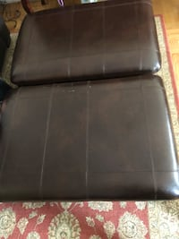 2 beautiful leather Armchairs/ottomans Burnaby, V5H 2T9