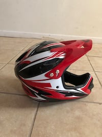 Red and black full-face helmet West Haven, 06516