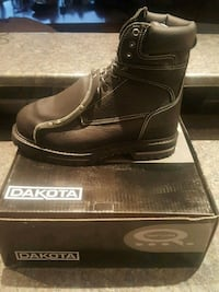 pair of black leather boots with box London, N5W 5E1