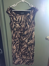 Black and cream scoop-neck sleeveless dress, ladies size 10. Worn once St Catharines, L2N 4R4
