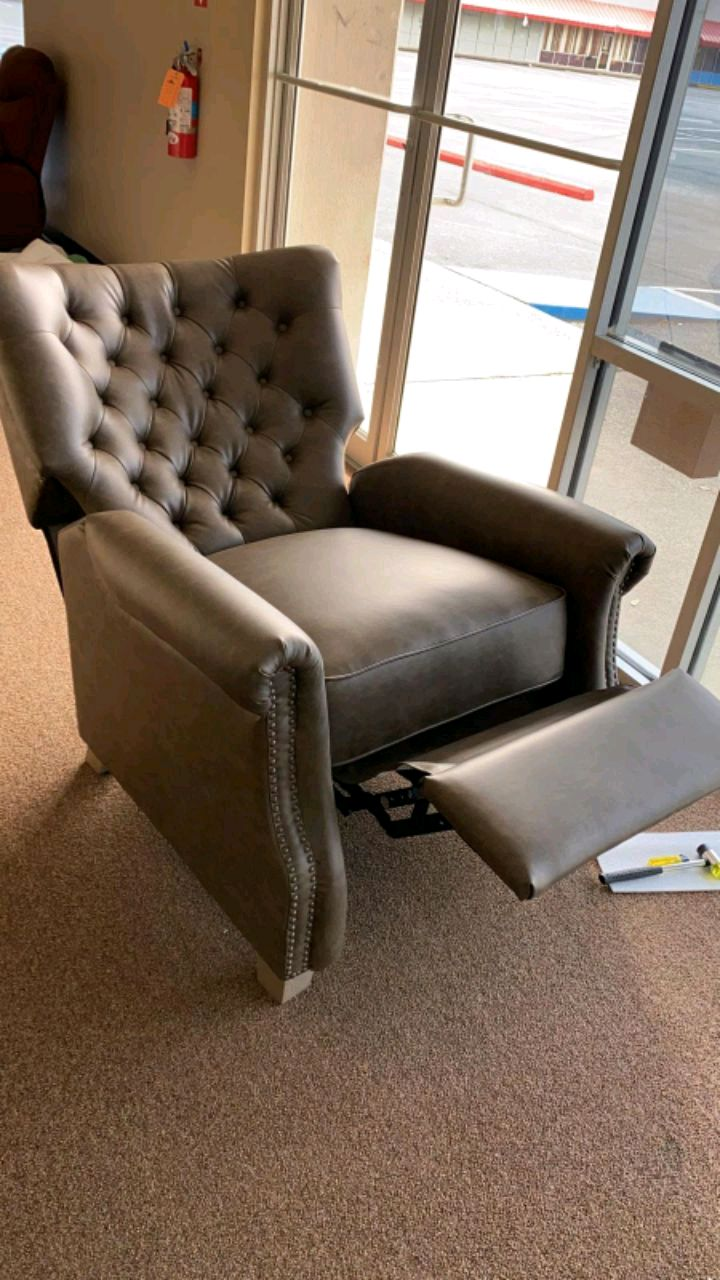 Photo Better Homes and Garden Tufted Push Back Recliner