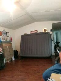air mattress only used it two times still bread new queen size Wichita