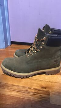 Pair of black timberland work boots Pleasant Hills, 15236