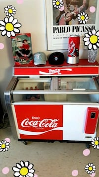 Coca Cola ice cold cooler Toronto, M5R 1J8