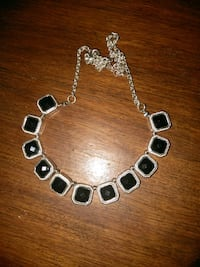 Silvertone in color necklace Delhi, 95315