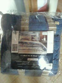 King size bed in a bag  Wantagh, 11793