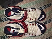 Pair of white-and-black nike basketball shoes Canton, 44714