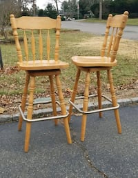 Cool well made wood counter/bar/cafe chairs Dix Hills, 11746