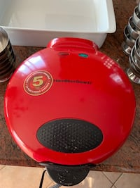 Hamilton Beach Quesadilla maker. Like new