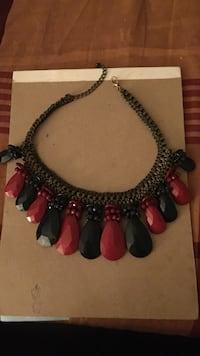 New green and red Necklace Aldie, 20105