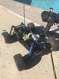 Nitro rc car works great just needs to be tuned xtm racing X-accelerate with a lot of extra parts and the gas bottle to refill  Santa Clarita, 91387