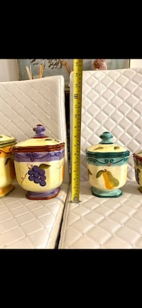 COLLECTIBLE MEDICI FRUIT HAND PAINTED CERAMIC CANISTER JAR