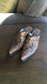 pair of brown leather dress shoes Jetersville, 23083