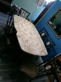 coral and steel dining table set  Jensen Beach, 34957