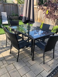 7 piece whicket patio set.