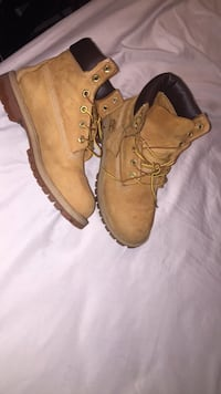Brown-and-black timberland leather work boots Boston, 02119