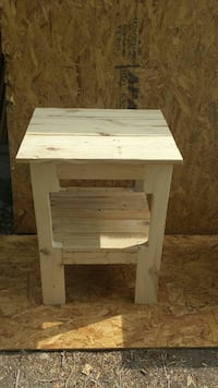 Pair of End/night tables