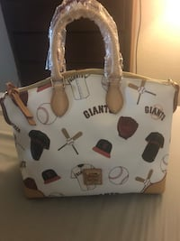 Brand new Dooney & Bourke giants purse Dublin, 94568