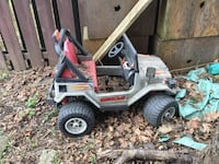 Gray and black And red kids motorized Jeep Toronto, M3H 1R5