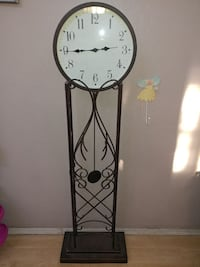 Decorative metal floor clock REDUCED$40.00 OBO. Phoenix, 85043