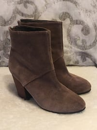 Aldo suede ankle boots - size 39 Vancouver, V5R 5G9