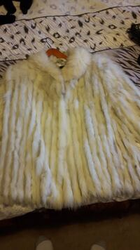 Brand New  real  fur (fox) coat  size S-M  537 km