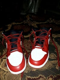 red-and-white Air Jordan basketball shoes Richmond, V6X